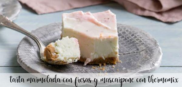 marmurkowe ciasto truskawkowo-maskaponowe z termomiksem